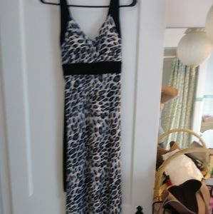 Dresses & Skirts - ⭐LEOPARD MAXI DRESS⭐